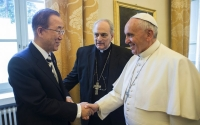 Bishop Marcelo Sánchez Sorondo with Pope Francis and UN Secretary-General Ban Ki-moon